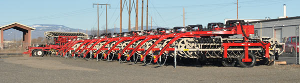 Row of Quality Products Twinstar Rakes